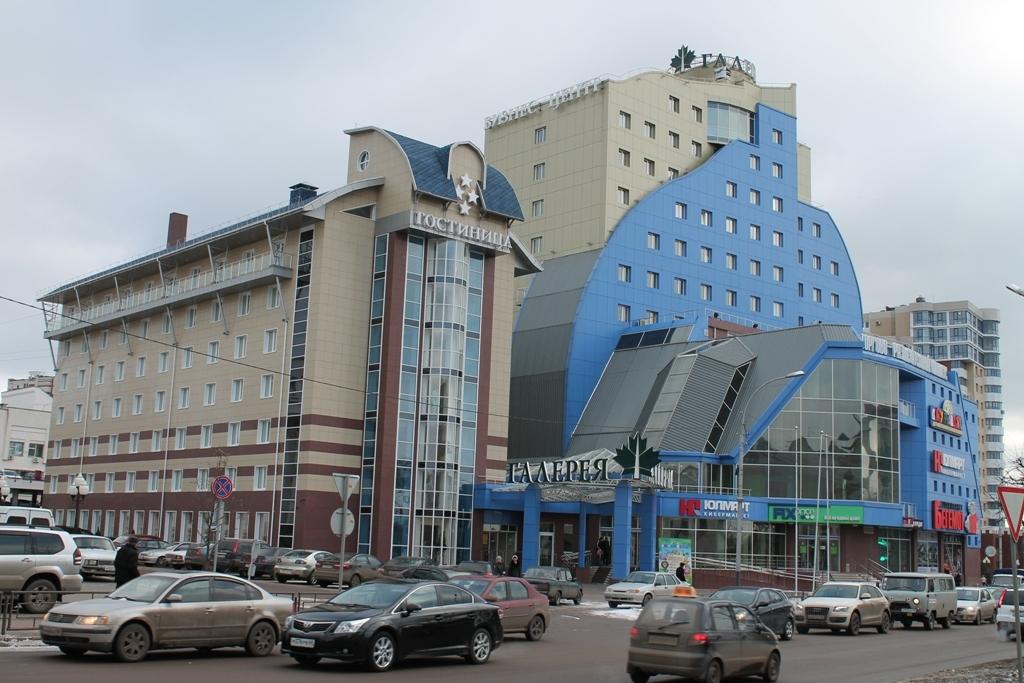 ТРЦ Галерея – часть фасада.
